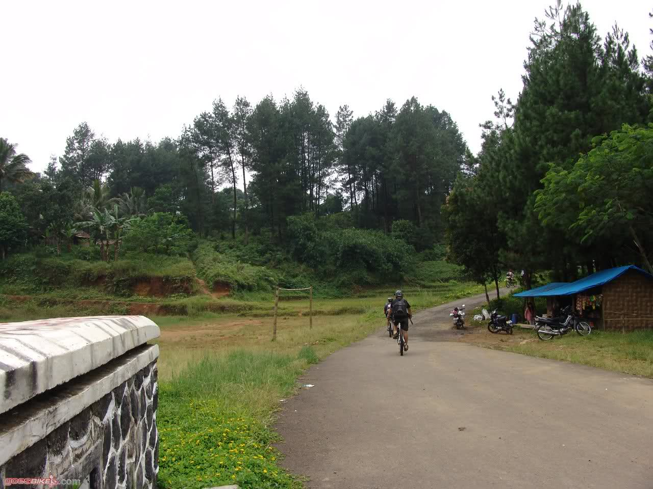 Mountain Bike Action, travelling to Cianten bendungan Karacak 2009